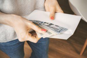 ¿Cómo el IRS rastrea los regalos?
