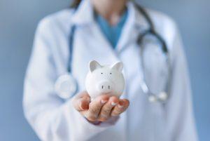 ¿Cómo planificar los gastos médicos para cuando te retires?