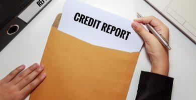 ¿Cuánto demora en aparecer un cargo en mi reporte de crédito?
