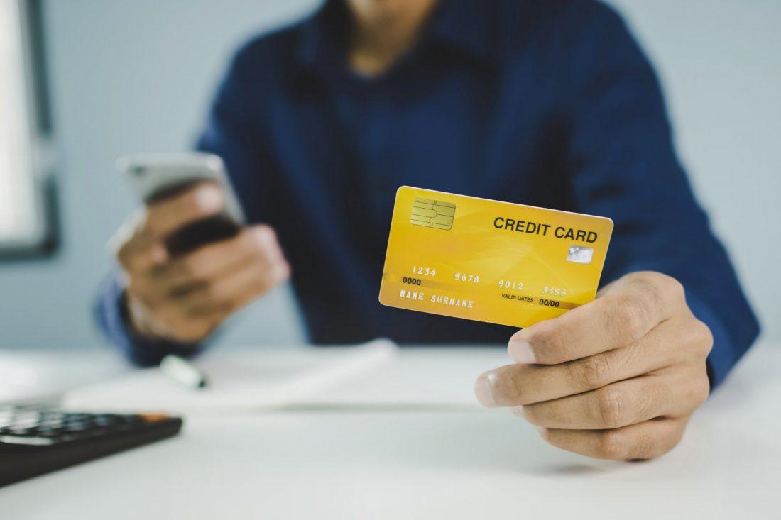 ¿Qué es el saldo en una tarjeta de crédito?