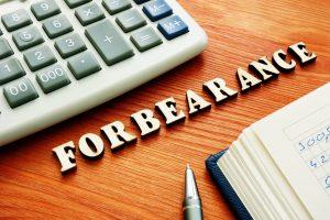 ¿Qué es y qué significa forbearance?