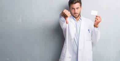 ¿Qué hacer si tu doctor no acepta Medicare?