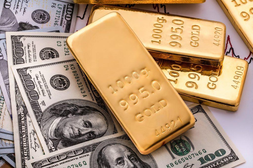 ¿Qué o quién determina el precio del oro?