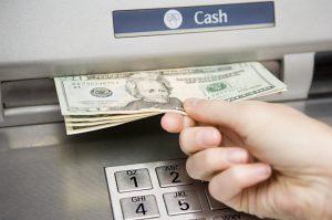 ¿Se puede depositar dinero en cualquier cajero automático?