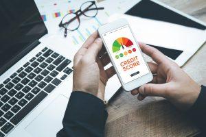 Los mejores préstamos y tarjetas de crédito para puntajes de crédito 500-550