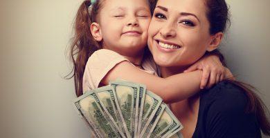 Ayuda en efectivo para familias