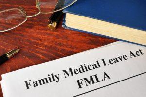 Ayuda financiera durante licencia médica familiar