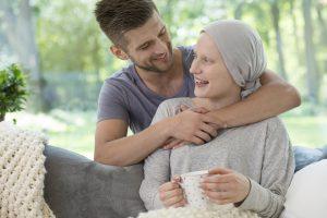 Ayuda financiera para personas con cáncer