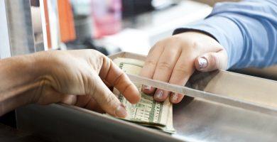 Cómo depositar dinero en una cuenta bancaria