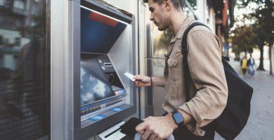 Cómo pagar la tarjeta de crédito por cajero automático