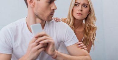 Cómo saber si mi esposo tiene una cuenta bancaria secreta