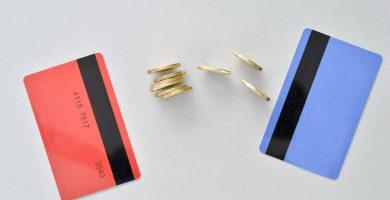 Cómo transferir dinero de una tarjeta de crédito a una tarjeta de débito
