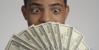 Cómo invertir 1000 dólares en Estados Unidos