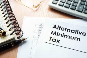 Crédito AMT reembolsable para los impuestos de opción de compra de acciones