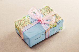 Si recibo un regalo del extranjero, ¿debo pagar impuestos al IRS?