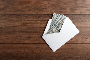 Si regalo dinero ¿debo pagar impuestos al IRS?