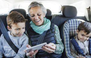 Teléfonos gratis para familias de bajos recursos