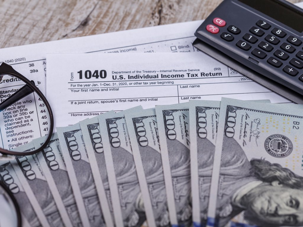 Cómo cobrar taxes en Estados Unidos sin una cuenta bancaria