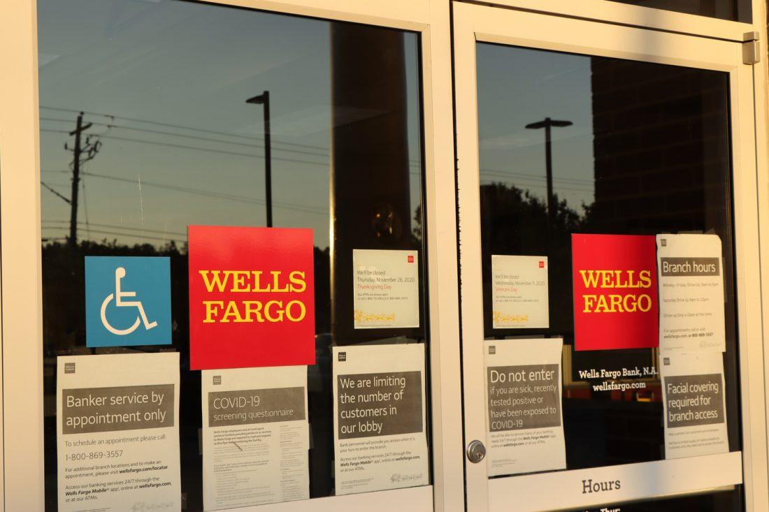¿Cómo hacer una cita en Wells Fargo en español?