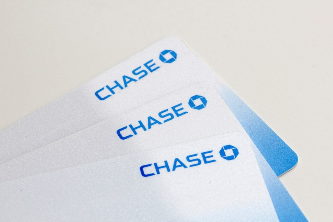 ¿Cómo solicitar el reemplazo de una tarjeta de débito de Chase Bank?