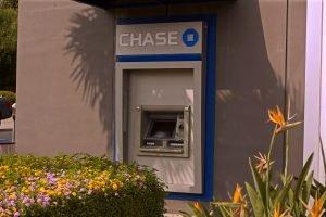 ¿Cuánto dinero puedo retirar de un cajero Chase?