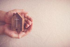 Iglesias que ayudan a pagar la renta