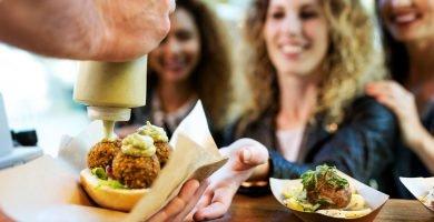 Cómo obtener una licencia para vender comida en los Estados Unidos