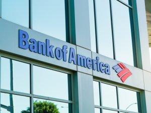 ¿Puedo depositar un money order en Bank of America?