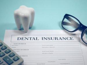 ¿Qué cubre un seguro dental en USA?