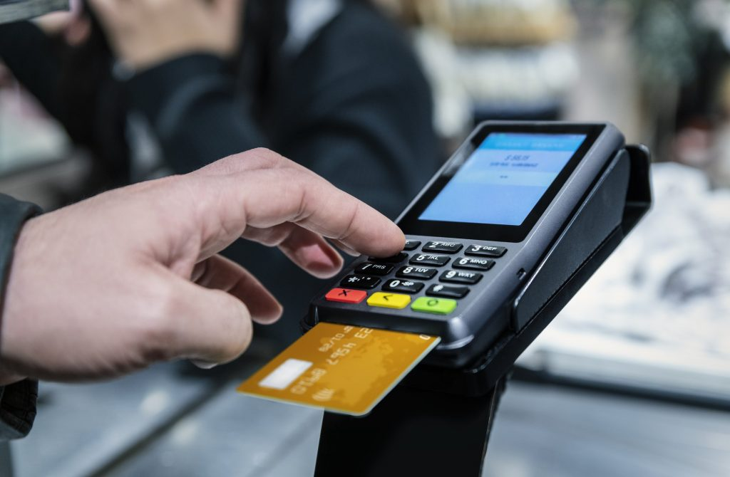 ué es el numero PIN de una tarjeta de crédito